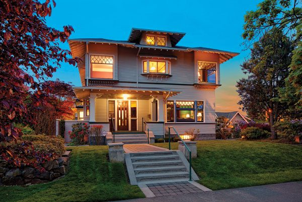 Craftsman homes first started appearing in seattle around 1900 as an offshoot of the british arts and crafts movement which emphasized the handmade over