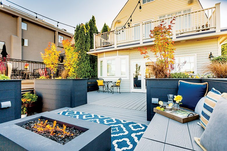 This Queen Anne Dream Deck Is An Intimate Backyard Sanctuary