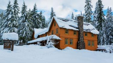 Mount Rainier National Park Lodge open all year